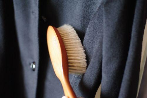 洋服のホコリをとって臭いを消す