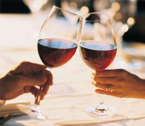 ワインを飲むとダイエット出来る