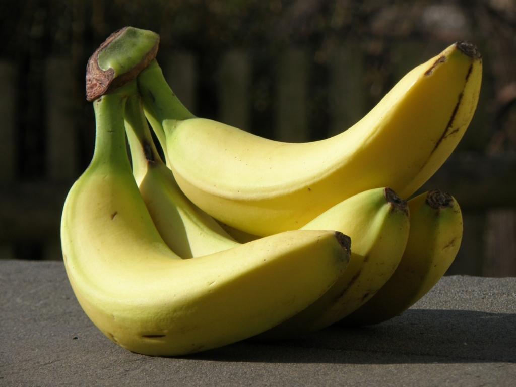 バナナは冷蔵に入れてはダメ