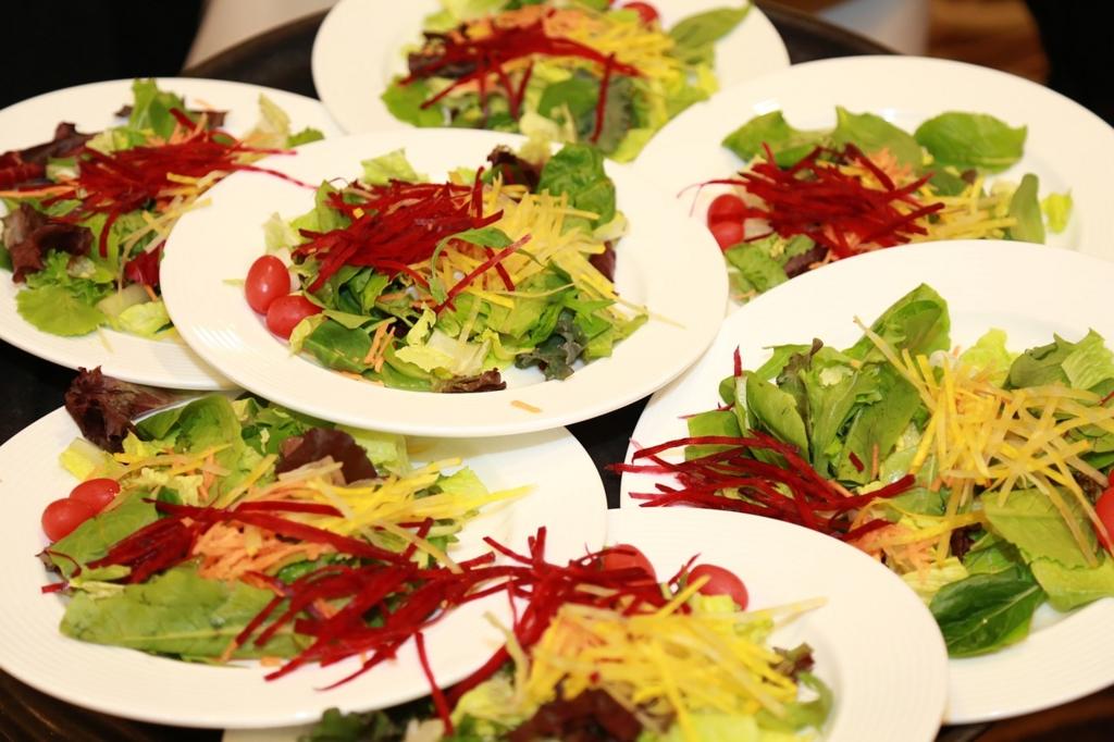 生野菜をたくさん食べ過ぎてはいけない