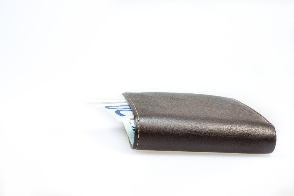 貯金できない人は財布の中にいくらお金が入っているのかがわからない