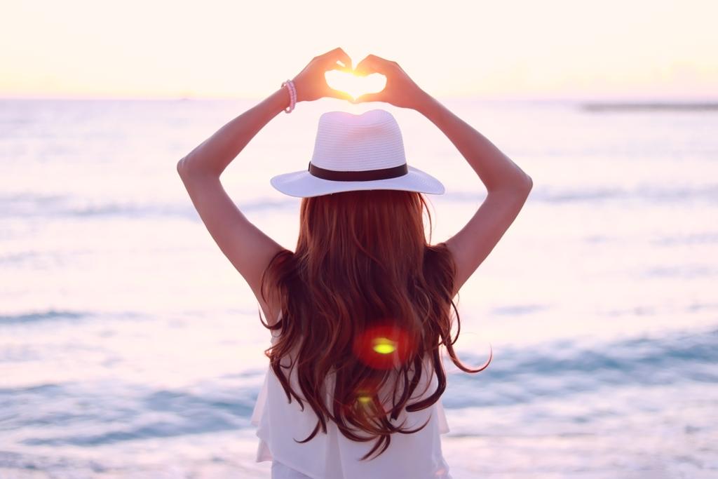 セロトニンを分泌して脳から幸せになる方法