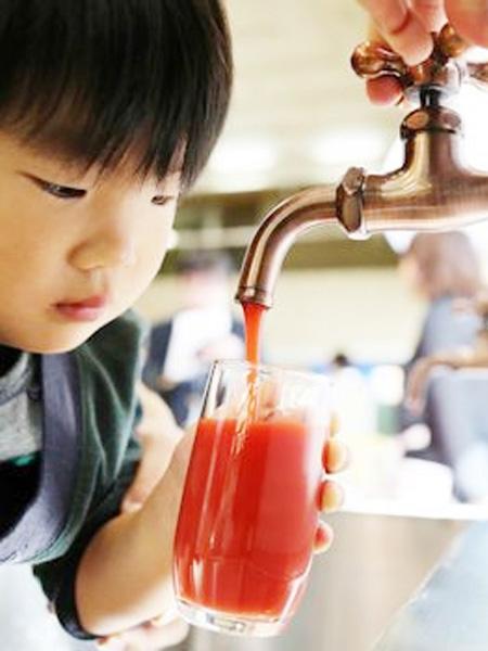 愛知県にはトマトジュースが出てくる蛇口がある