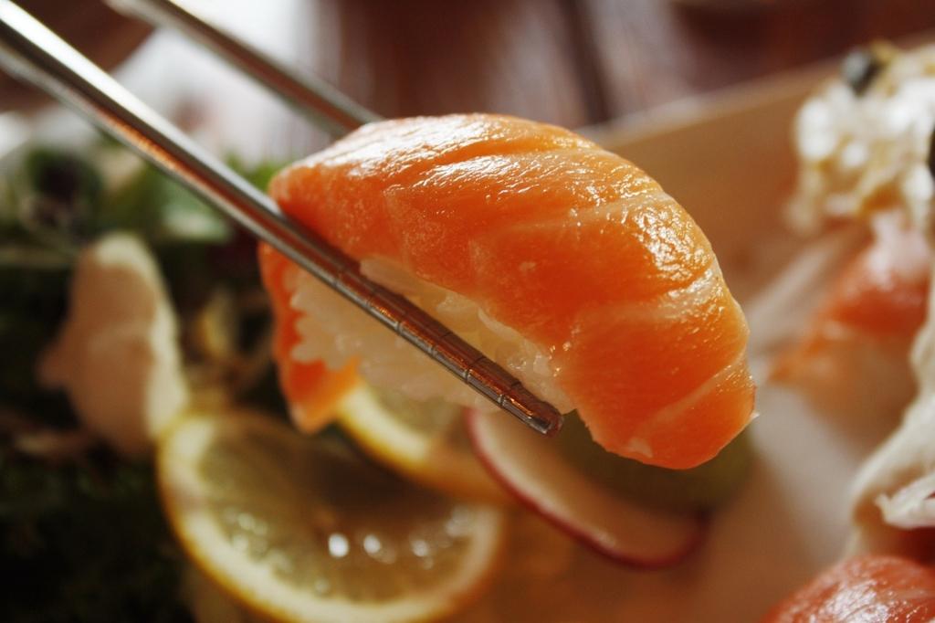 日本人なら知っておきたいお寿司屋さんでの正しいマナー・食べ方