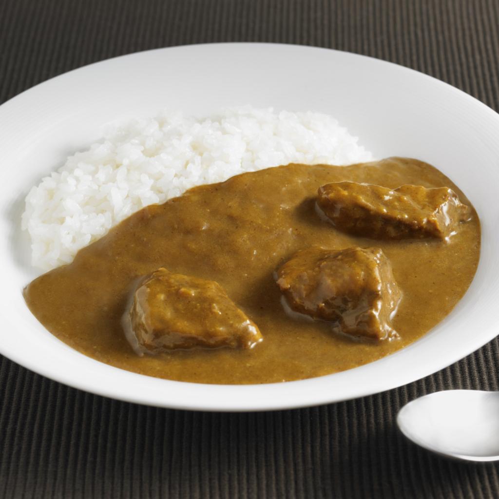 無印良品のごろり牛肉のスパイシーカレーはおすすめのレトルト食品
