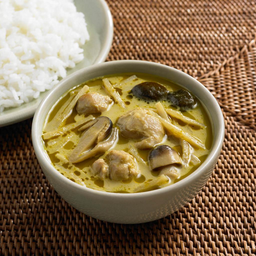 無印良品のグリーンカレーはおすすめのレトルト食品