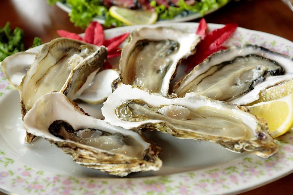 フランス人女性は牡蠣をよく食べる