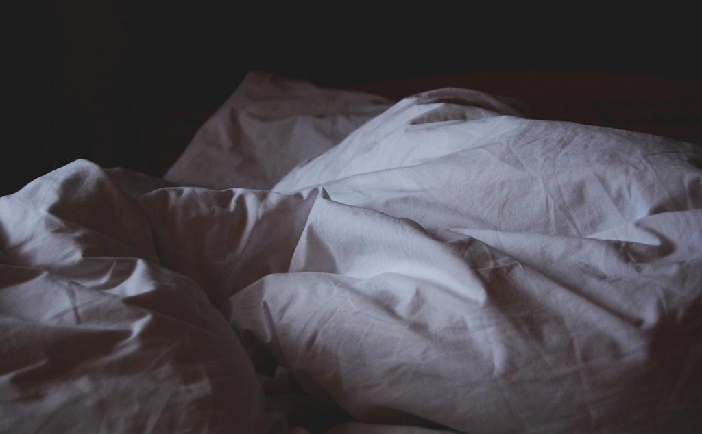 ベッドが柔らかすぎると腰痛になりやすい