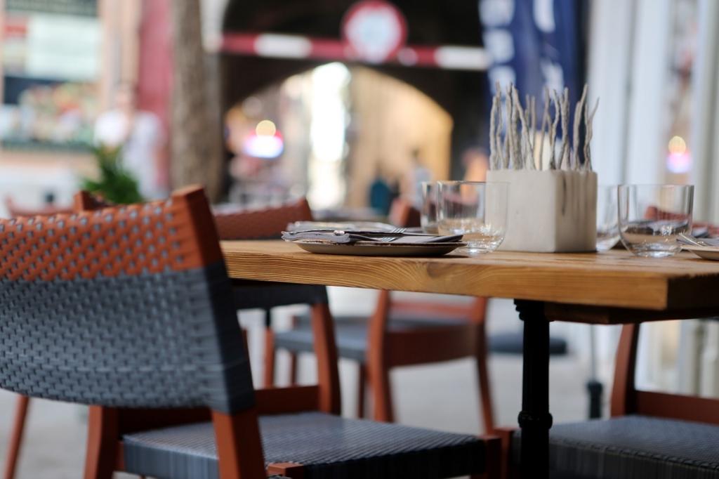 休憩時間のランチはオフィスの外で食べよう