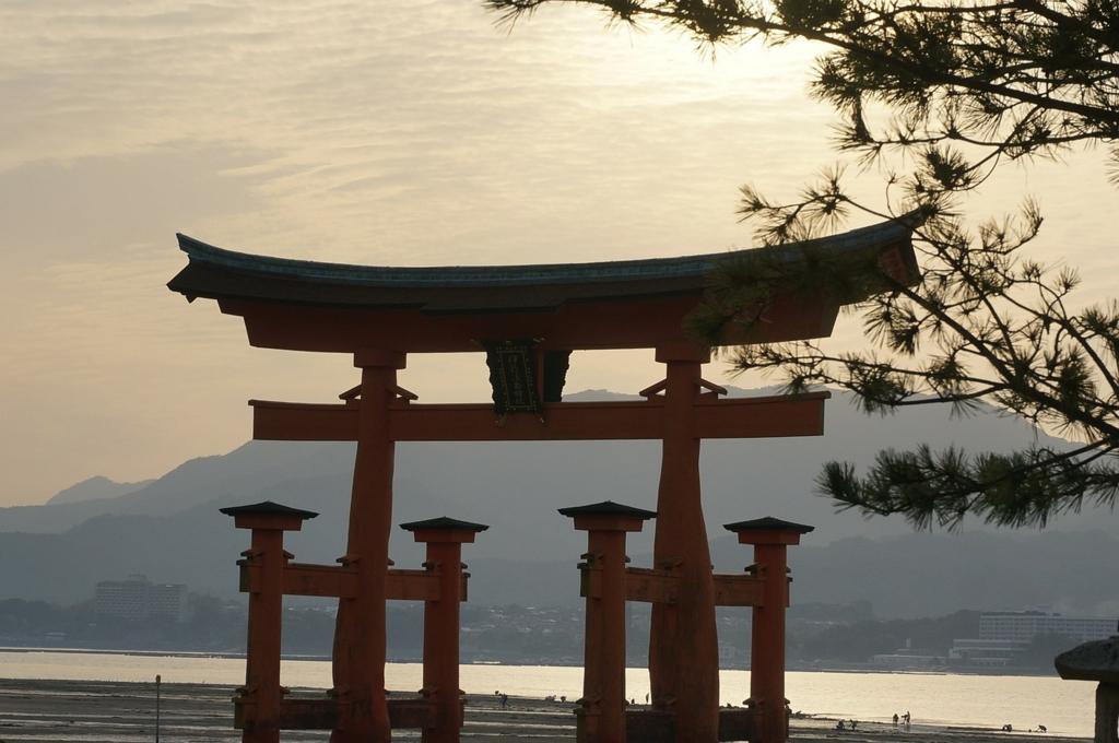 広島の宮島と厳島神社