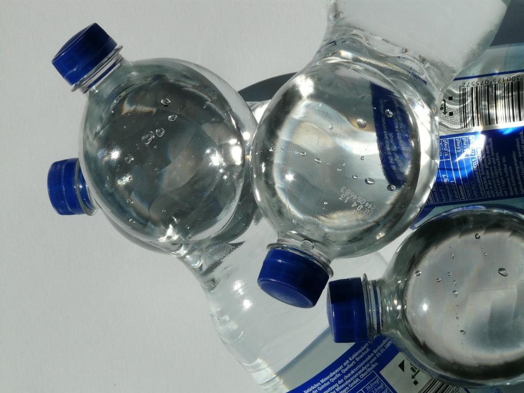 ミネラルウォーターの選び方と効果的な飲み方