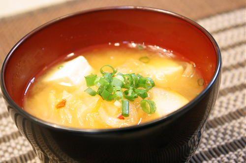 ダイエットのために味噌汁を食事の前に飲みると効果的