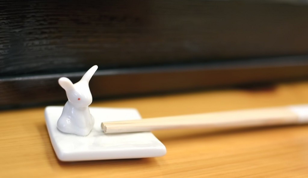 テーブルコーディネートで箸置きを用意する