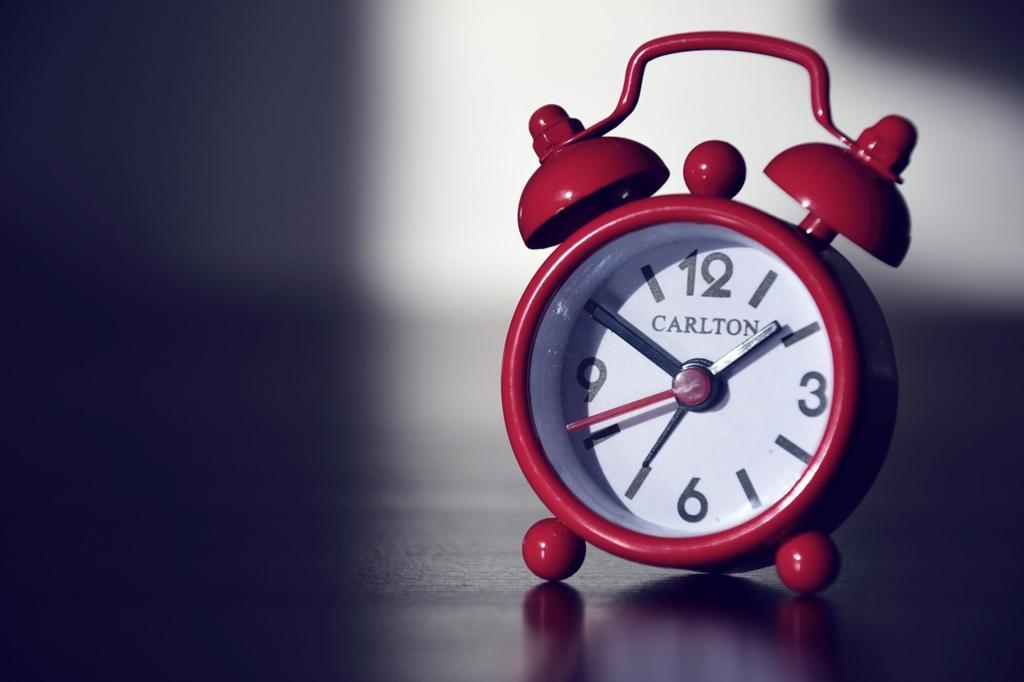 効率的な睡眠のために毎日同じ時間に起きる