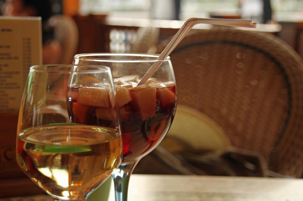 余ったワインで簡単にサングリアができる
