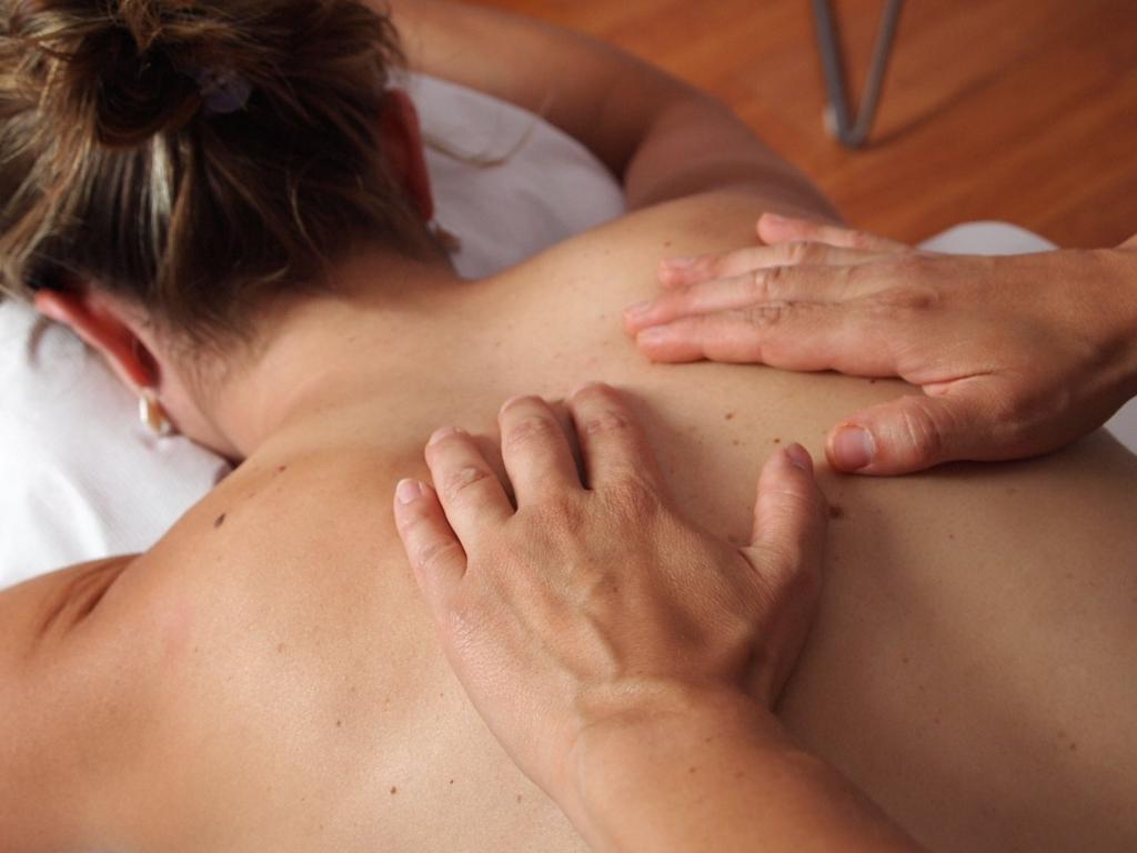 背中ニキビの予防法と簡単な治し方