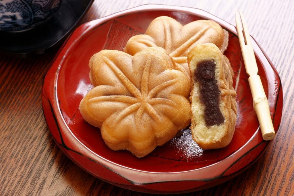 宮島の紅葉谷公園には食べても美味しいもみじがある