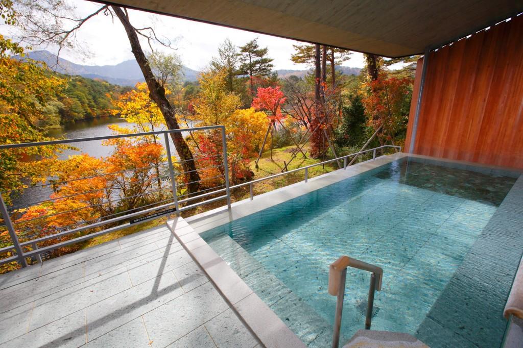 紅葉が美しい福島県の「裏磐梯高原ホテル」