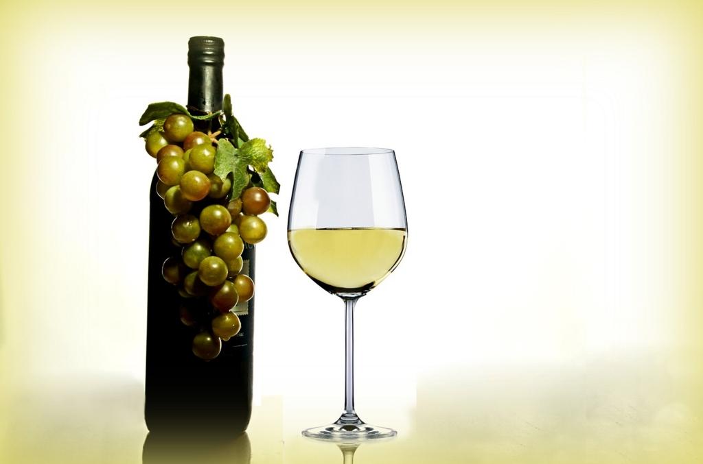 白ワインをクリームシチューに入れると本格的なプロの味になる