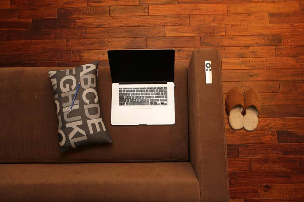 冬の家の中の時間を充実させるには快適なルームウェアを選ぶ