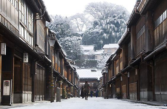 冬の旅行は金沢のひがし茶屋街がおすすめ