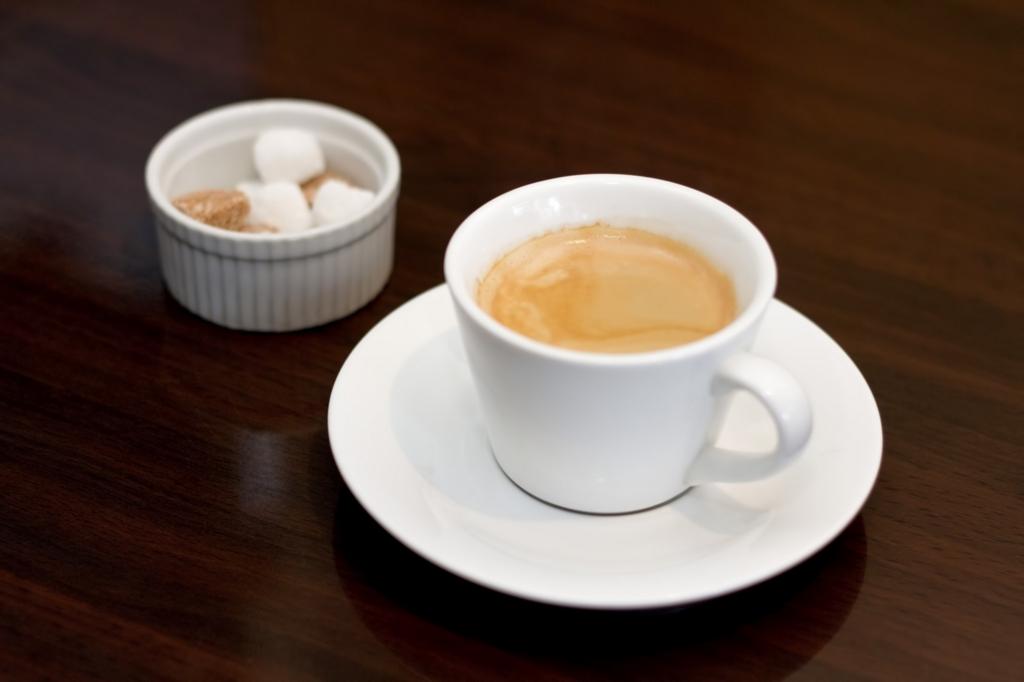 睡眠不足の解消にはコーヒーを飲むと効果的