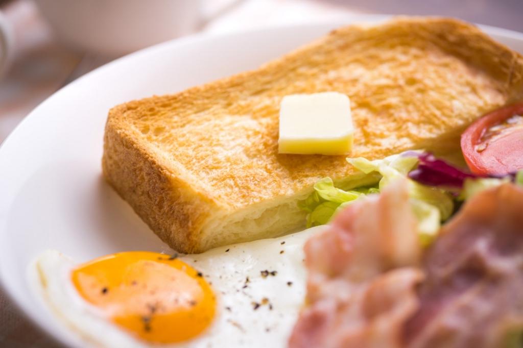 寝不足の解消には朝食を食べることが効果的