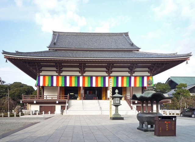 東京の西新井大師はおすすめの穴場初詣スポット