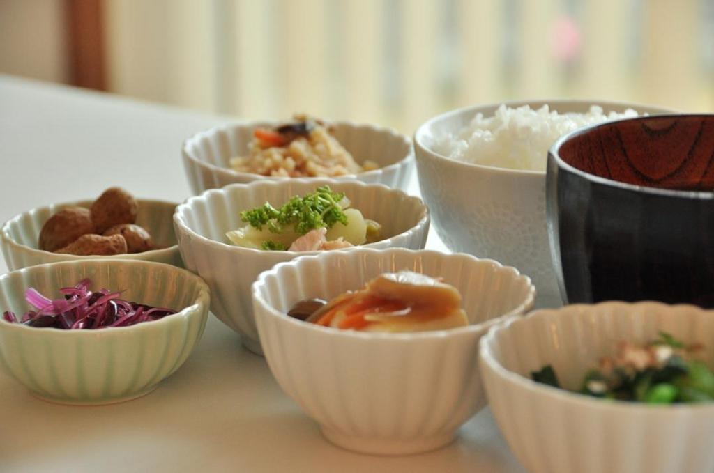 小さなお皿で食べるだけの小鉢ダイエット