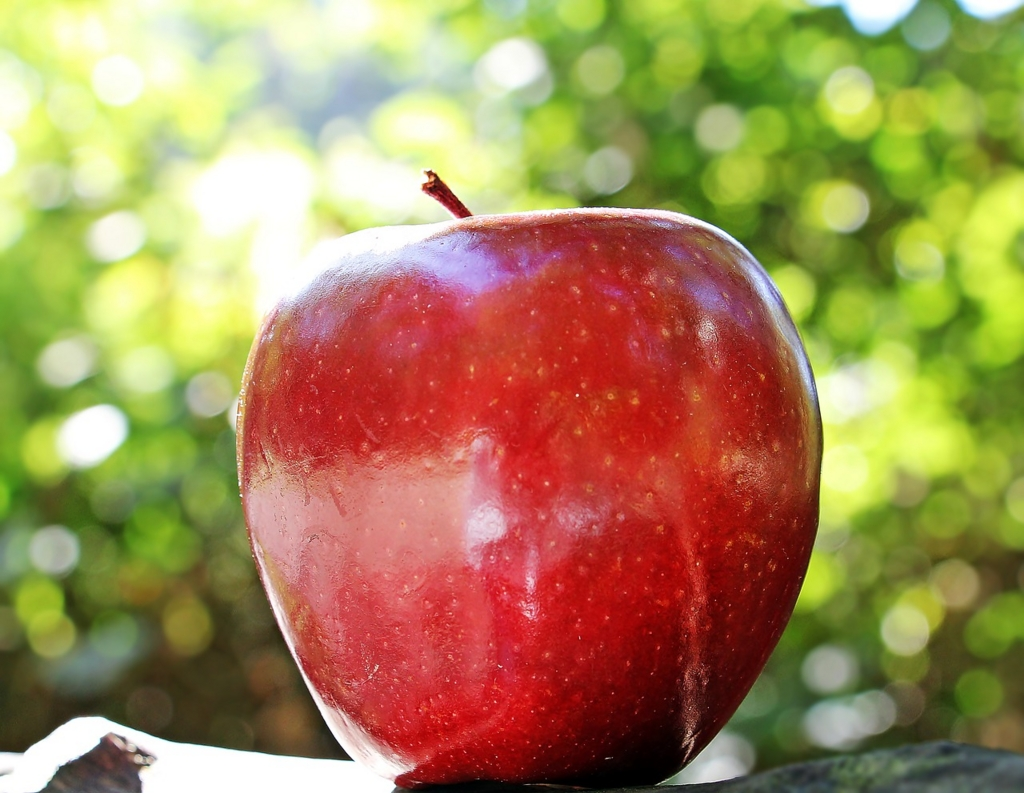 りんごをお風呂に入れると入浴剤になる食品