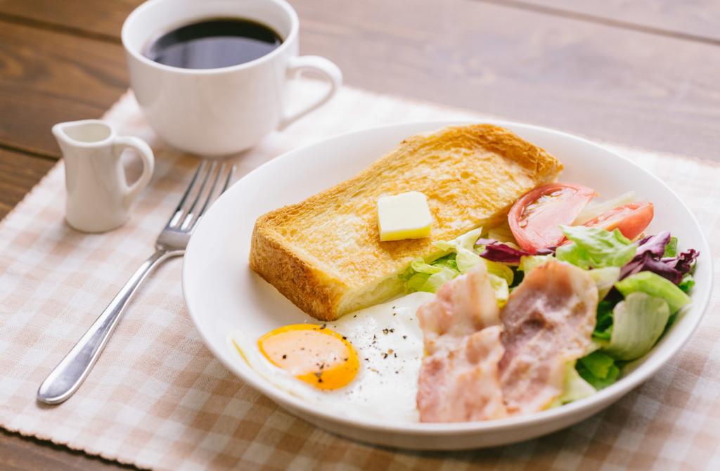 朝食を食べないと基礎代謝が下がって太りやすくなる