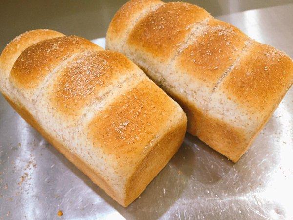 ブランブレッドパンはコンビニやスーパーで買える高タンパク低カロリー食品