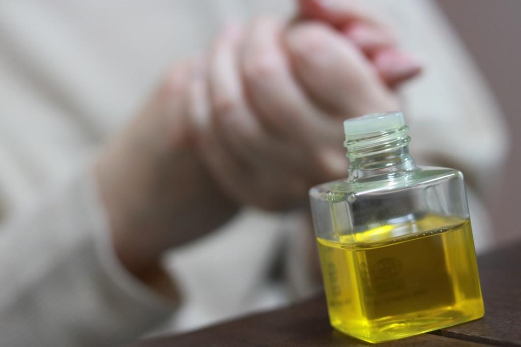 ホホバオイルは乾燥肌を防いでくれる美容オイル