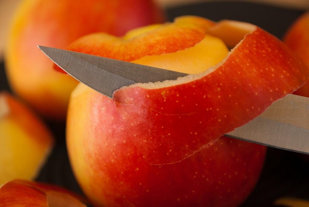 ニンジン・セロリ・リンゴはホワイトニングに有効