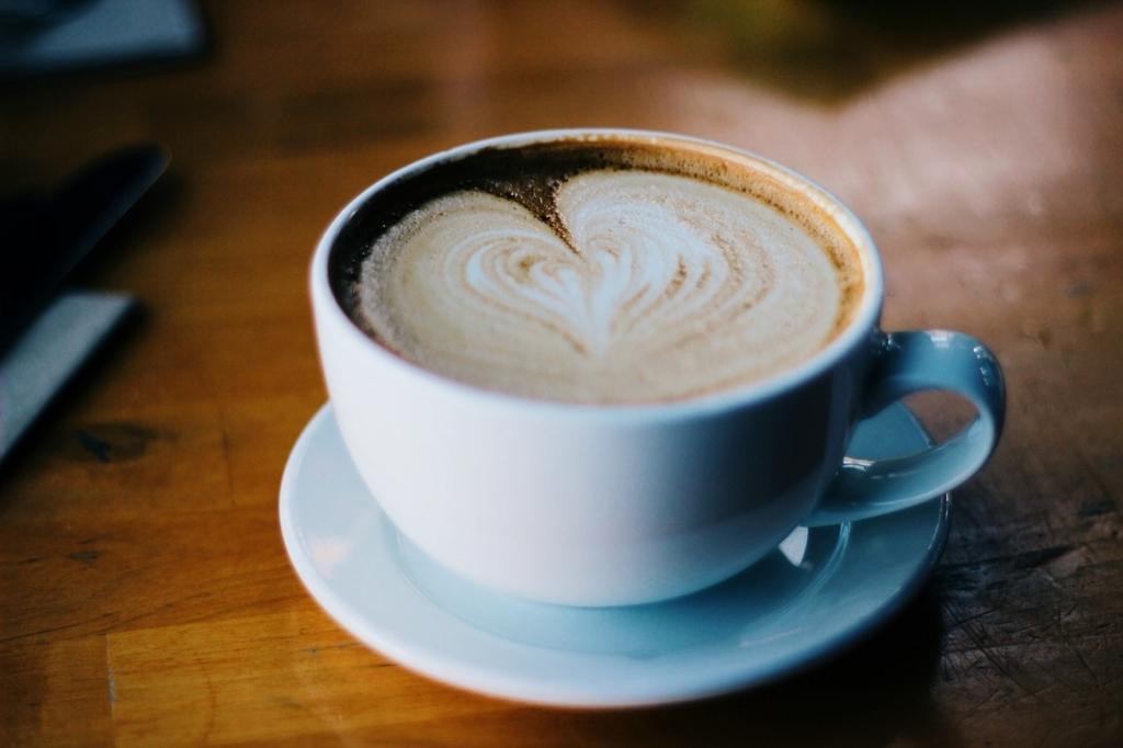 ダイエット中にコーヒーを飲むときは砂糖なしで