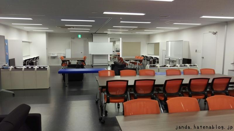 横浜アリーナ広い控室2