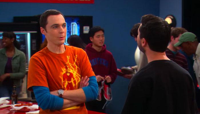 『ビッグバン★セオリー』で、カードゲームでウィル・ウィートンと対峙するシェルドン