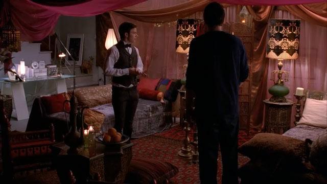 『glee/グリー』で、カートは仲直りの印としてフィンの部屋をデコレート