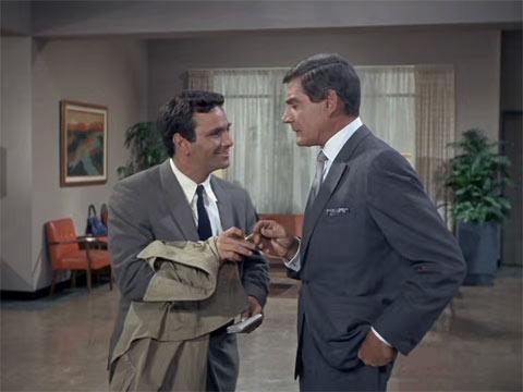 『刑事コロンボ』で、コロンボが「うちのカミさん」を言う最初のシーン