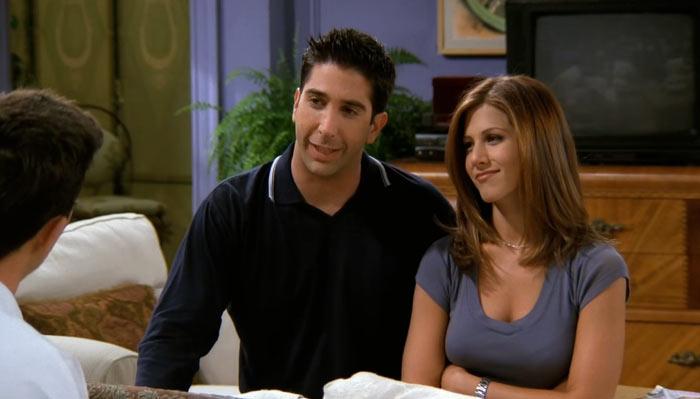『フレンズ』で、ロスとレイチェルがチャンドラーとジャニスのレ恋愛にアドバイスする