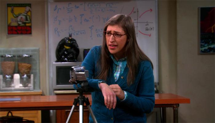 『ビッグバン★セオリー』で、レヴァー・バートンに演技のダメ出しをするエイミー