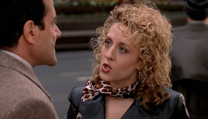ニューヨーク市内で失踪したモンクを見つけて怒るシャローナ