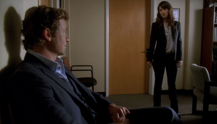 『メンタリスト』で、ジェーンが原因でリズボンが校長室に呼ばれる