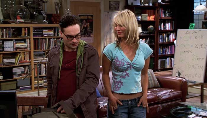 『ビッグバン★セオリー』で、ペニーとレナードの最初の出会い。アパートで昼食を御馳走する