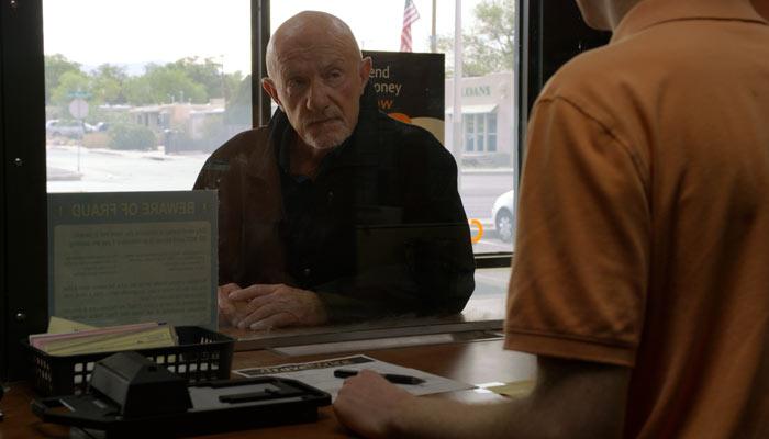 『ベター・コール・ソウル』で、マイクは一番近い病院の場所を尋ねる