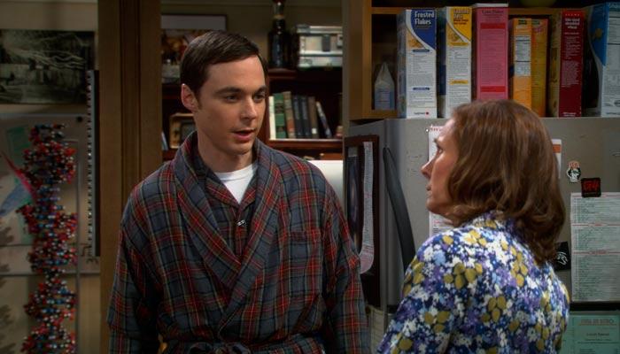 『ビッグバン★セオリー』で、シェルドンは母親に謝罪する