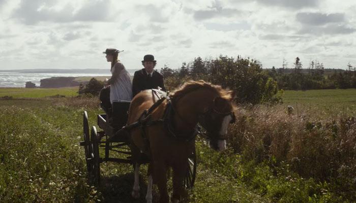 『アンという名の少女』で、マシューとアンは馬車に乗ってグリーン・ゲイブルズに戻る