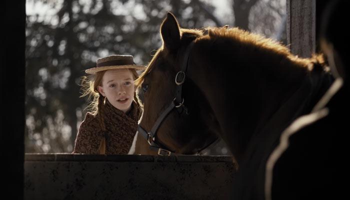 『アンという名の少女』で、アンは農場でバイトのジェリーが盗み聞きしてるのを指摘
