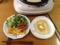 チーズオムレツとパンケーキ