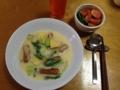 鶏とソーセージのクリームシチュー